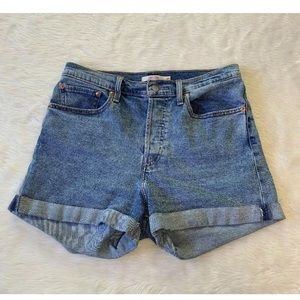 Levi's Wedgie Fit Cuffed Button Fly Shorts